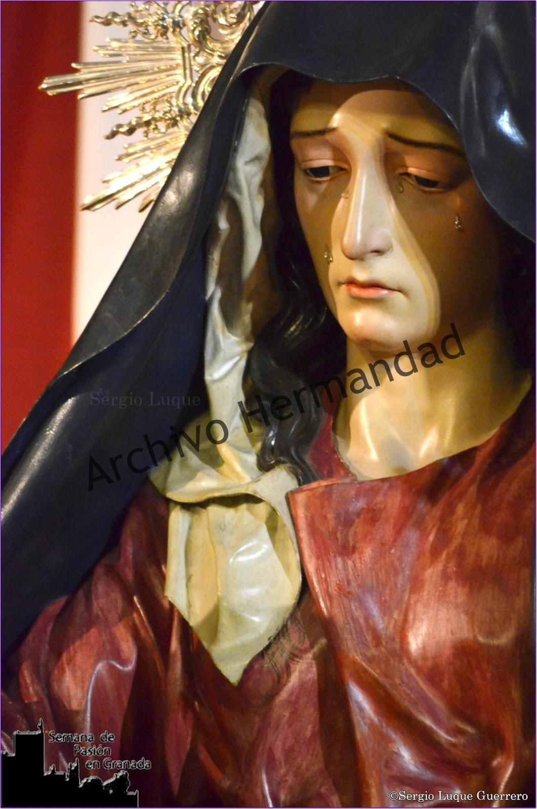 Besapie Semana de Pasión en Granada (2)