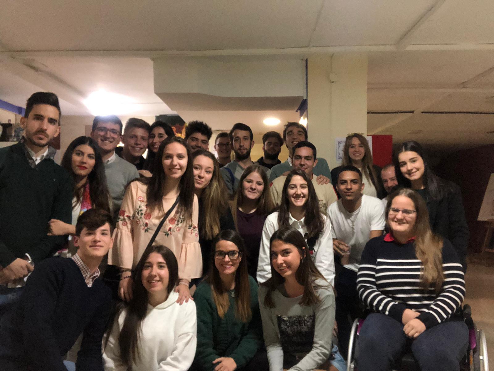 Convivencia entre los jóvenes del Martes Santo