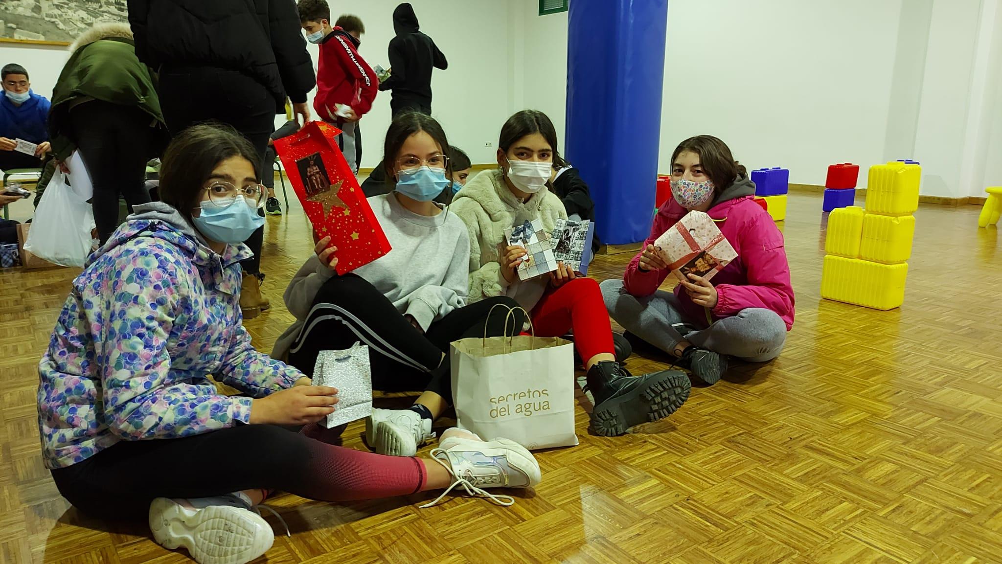 Los niños de Escuela Hogar beneficiarios de la Operación Carretilla